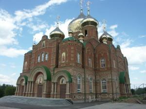 Храм в Луганске из кирпича Фагот
